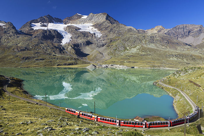 austria-bernina-express-lake