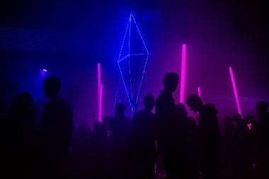 24_hours_in_berlin_-_club_view_with_seusual_pink_and_blue_lightings