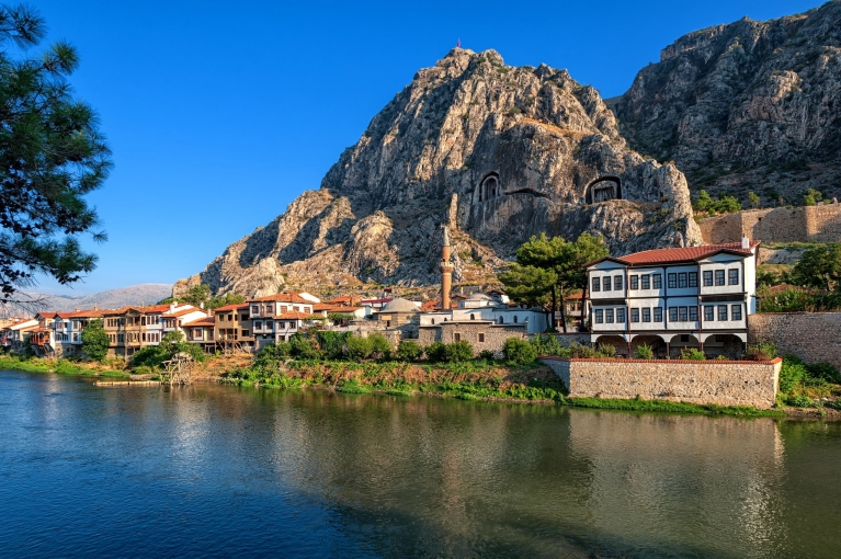 Ottoman houses and Pontic tomb in Amasya