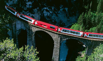 switzerland-scenic-train-glacier-express-over-bridge